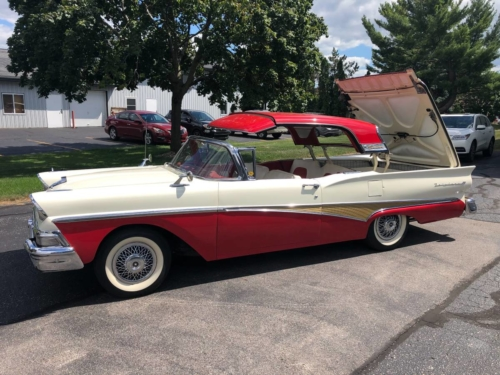 1958 FORD FAIRLANE SKYLINER